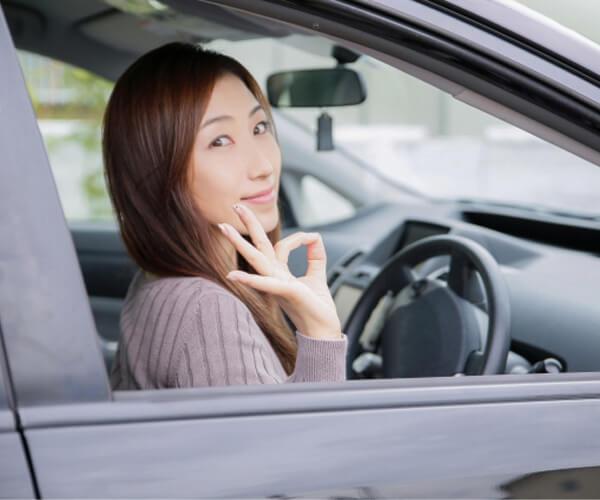 自賠責保険のカバー範囲は限定的。最適な任意保険で安心ドライブ。